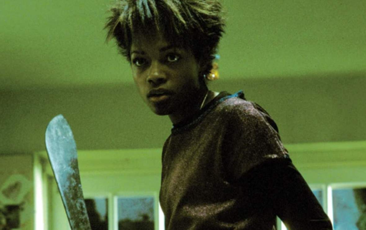 Selena fights the infected at Jim's parent's house in 28 Days Later.
