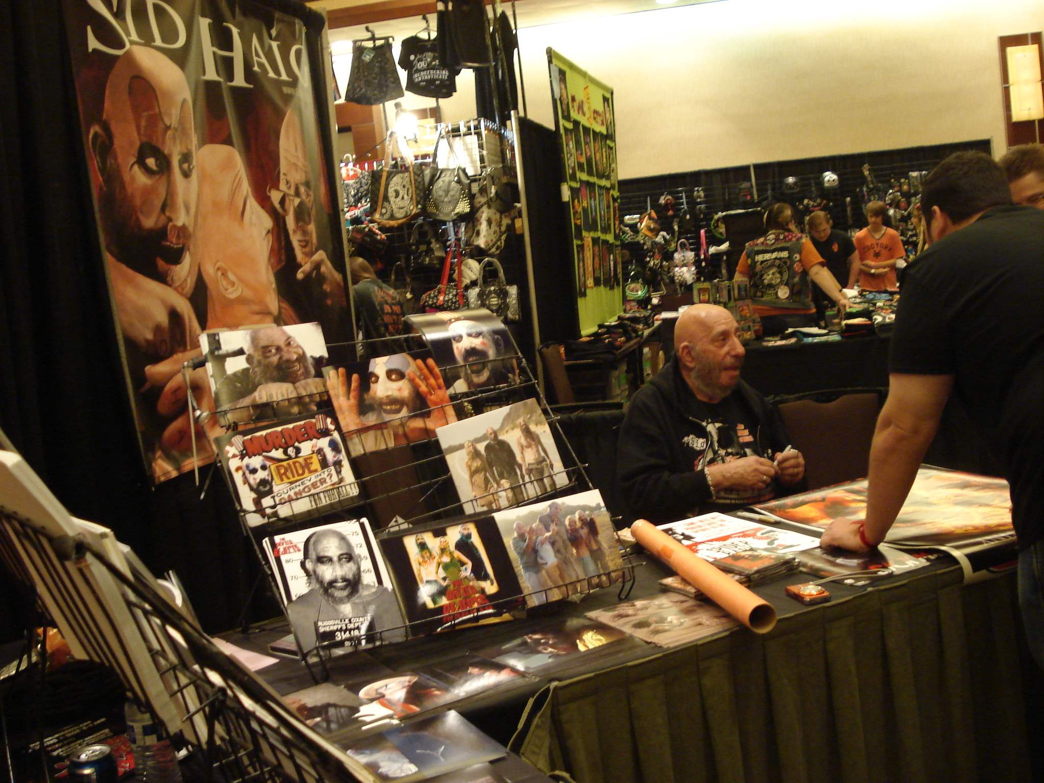 There was a seemingly never-ending line for icon Sid Haig's autograph at Texas Frightmare Weekend