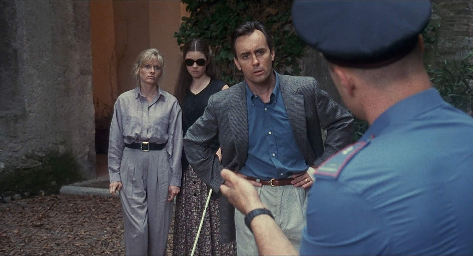 Jeffrey Combs and Barbara Crampton in Castle Freak