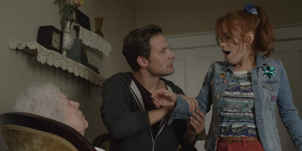 Michael Cassidy and Maria Thayer in Night Of The Living Deb