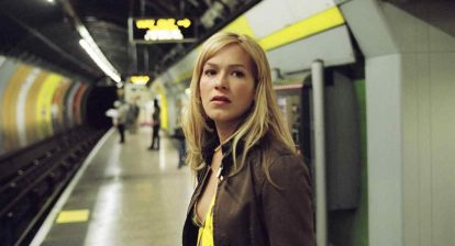 Kate (Franka Potente) trying to catch the subway in Christopher Smith's 2004 horror film Creep.