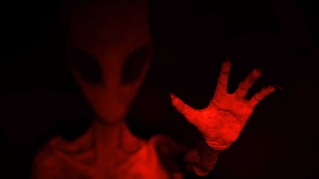 The film art for The Vicious Brothers Extraterresstrial.