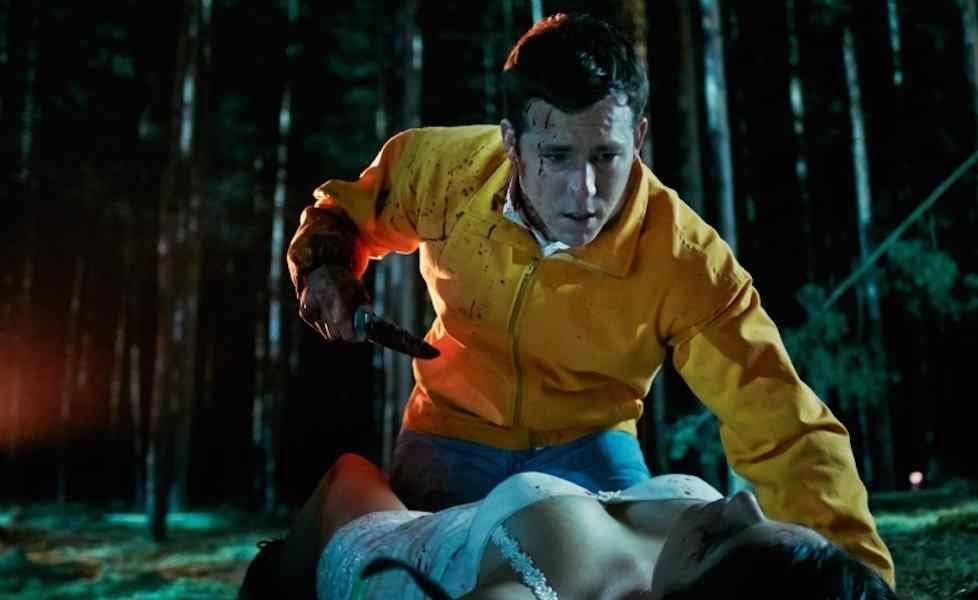 Ryan Reynolds killing one of his victims as Jerry in The Voices.