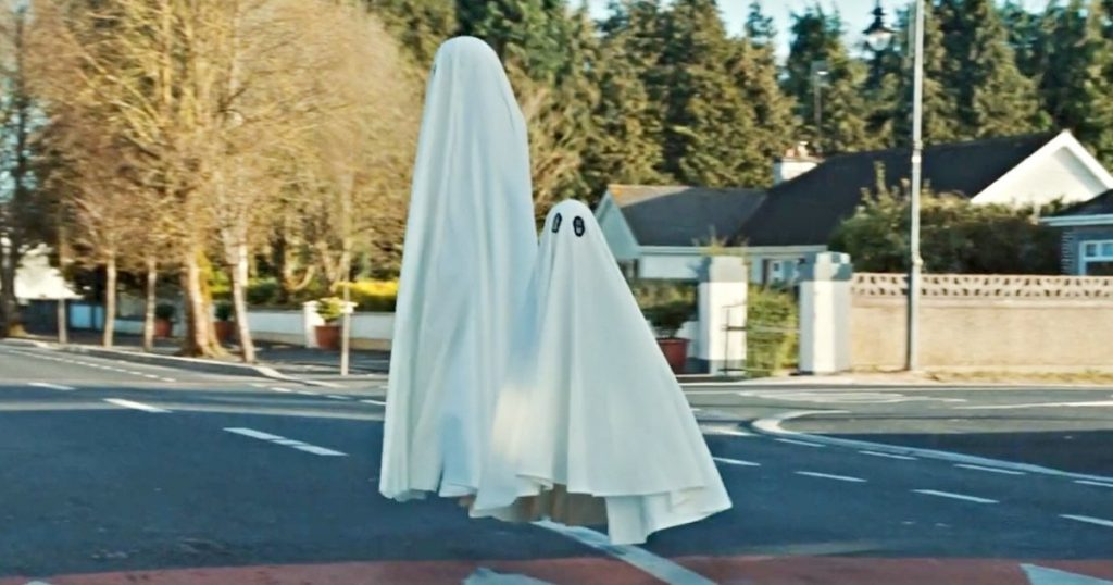 Ghosts in Extra Ordinary